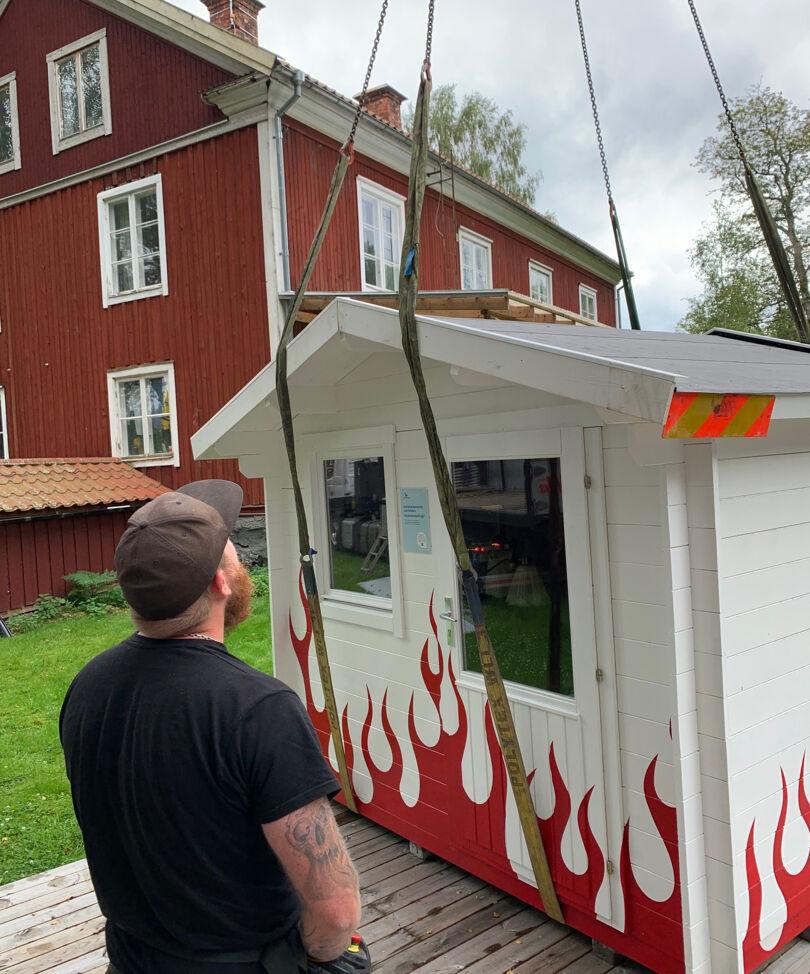 Friggeboden anländer till sitt nya hem i Svartå